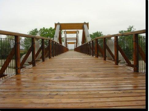 Fea srl arredo urbano e costruzioni in legno castelnuovo for Arredo urbano in legno